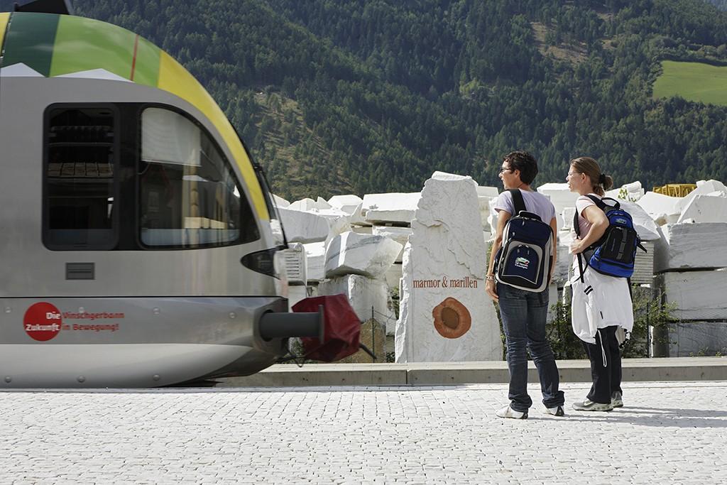 Vinschgerbahn im Vinschgau